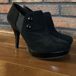 Black faux suede women's ankle booties, size 9.